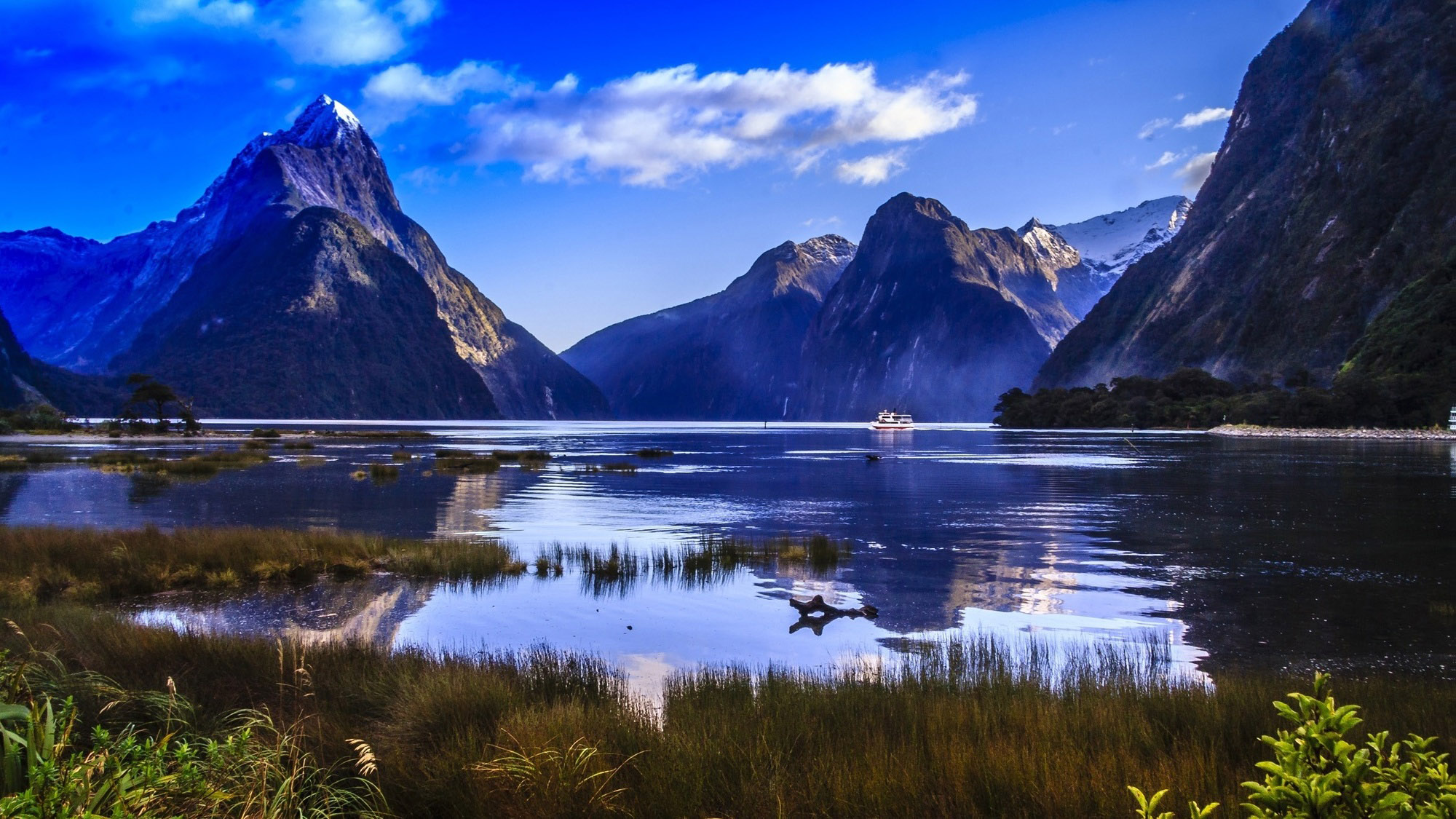 nz2-Devoyager-P-Milford Sounds17