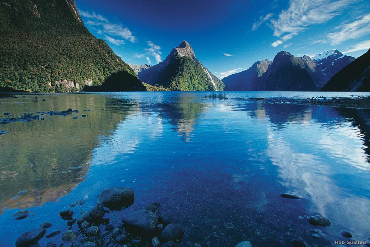 milford_100_ pure NZ Milford Sound 4